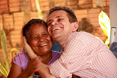 Joaquim Melo do Banco Palmas e comunitária: Joaquim Melo and a person from his community